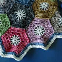 2015-07-09 Hexagon Blanket 2
