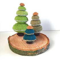 2015-12-07 Crochet Christmas Trees 1