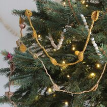 2015-12-13 Easy Peasy Christmas Garland