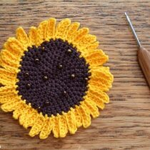 2014-08-30 Crochet Sunflower Applique