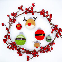 2020-11-06 Christmas baubles II 1
