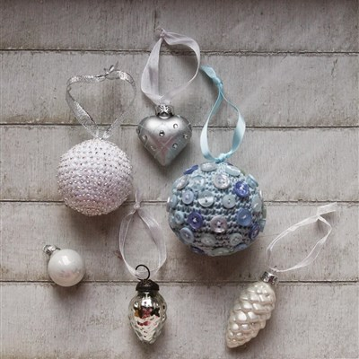 2014-12-06 Crochet Christmas Baubles