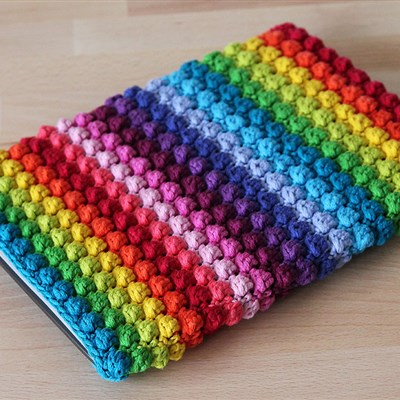 2015-03-22 Rainbow Bobble Table Sleeve