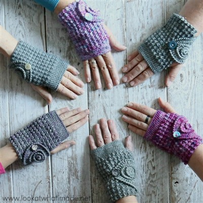2019-12-24 Ammonite Wrist Warmers 1